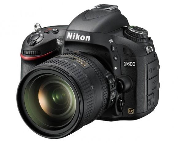 Зеркальная полнокадровая фотокамера Nikon D600